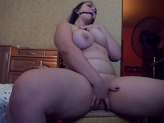 Russian BBW Webcam Sculpt Masturbate and Gets Enduring Orgasm