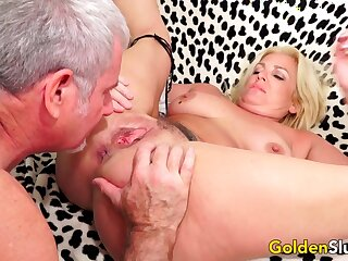 Older Slut Taylor Leigh Takes Stiff Dick