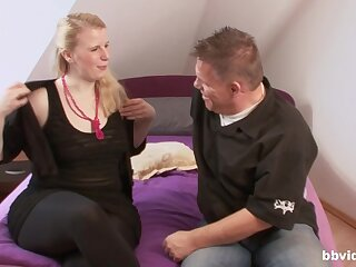 Amateur chubby girl agrees down have dealings with a starnger in his room