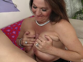 Older woman Laylani Wood with saggy tits rides a huge except for
