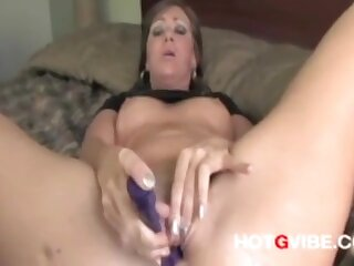 Most assuredly Nice Squirting Pussy: Watch this slut make her sweet pussy purl