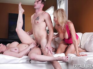 Young chum fucks the girlfriend increased by her mature mom