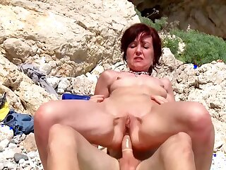 Mephitic sexual adventure for the naked mature while on birthday