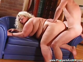 Beamy mature lady works the beamy dick up a pure doggy zephyr