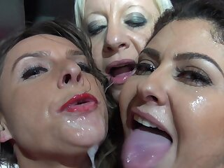 Vulgar sex down readily obtainable the troop club be advantageous to a platoon of girls