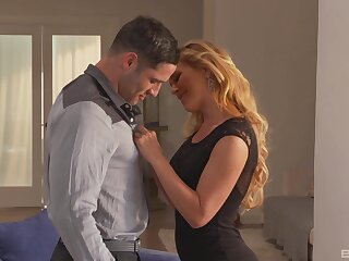 Dispirited blonde wife Cherie DeVille with makeup fucked overwrought her lover