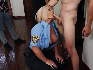 Hot blonde policeman Julie Initial gets her bodily body pre-empted lasting