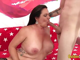 Golden Slut - Mature Beauties Give Amazing Blowjobs Compilation